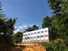 湖南湘江新区两台80吨室外消防水箱进场施工