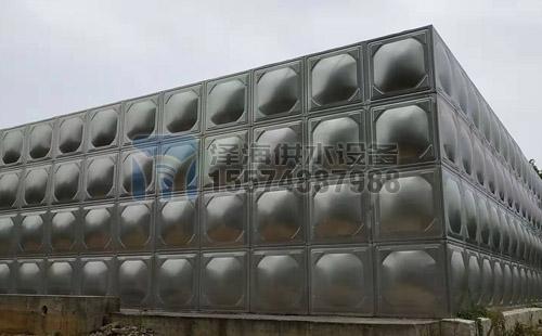 长沙大xing不锈gang水箱安zhuang案例